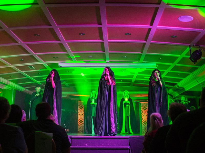 Gaelic Roots singers